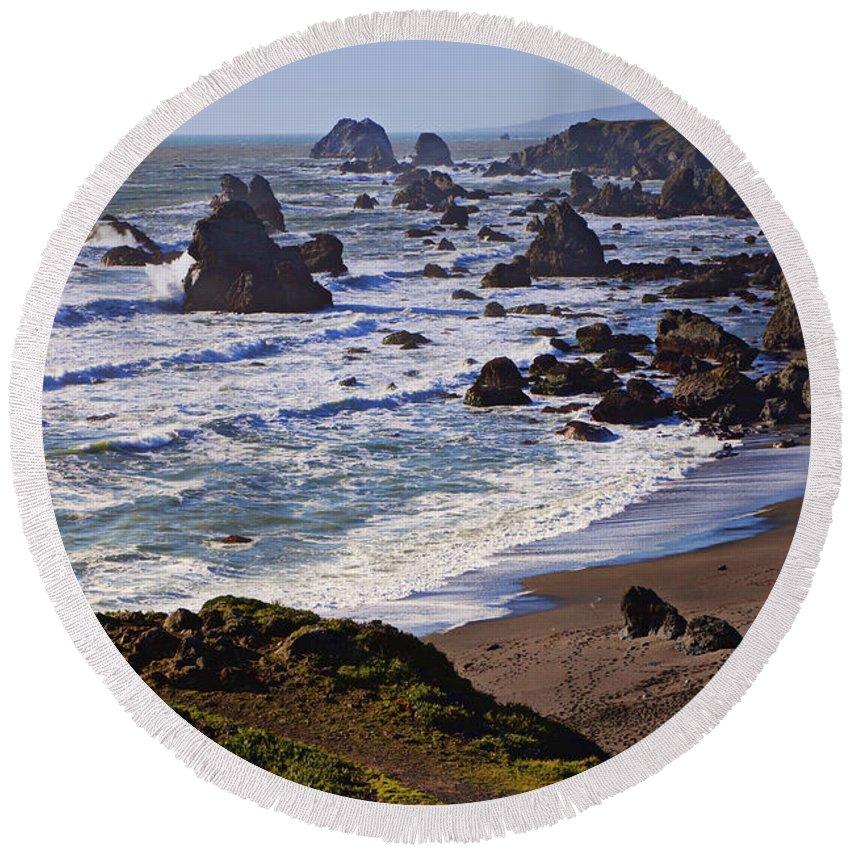 California Coast Round Beach Towel featuring the photograph California Coast Sonoma by Garry Gay