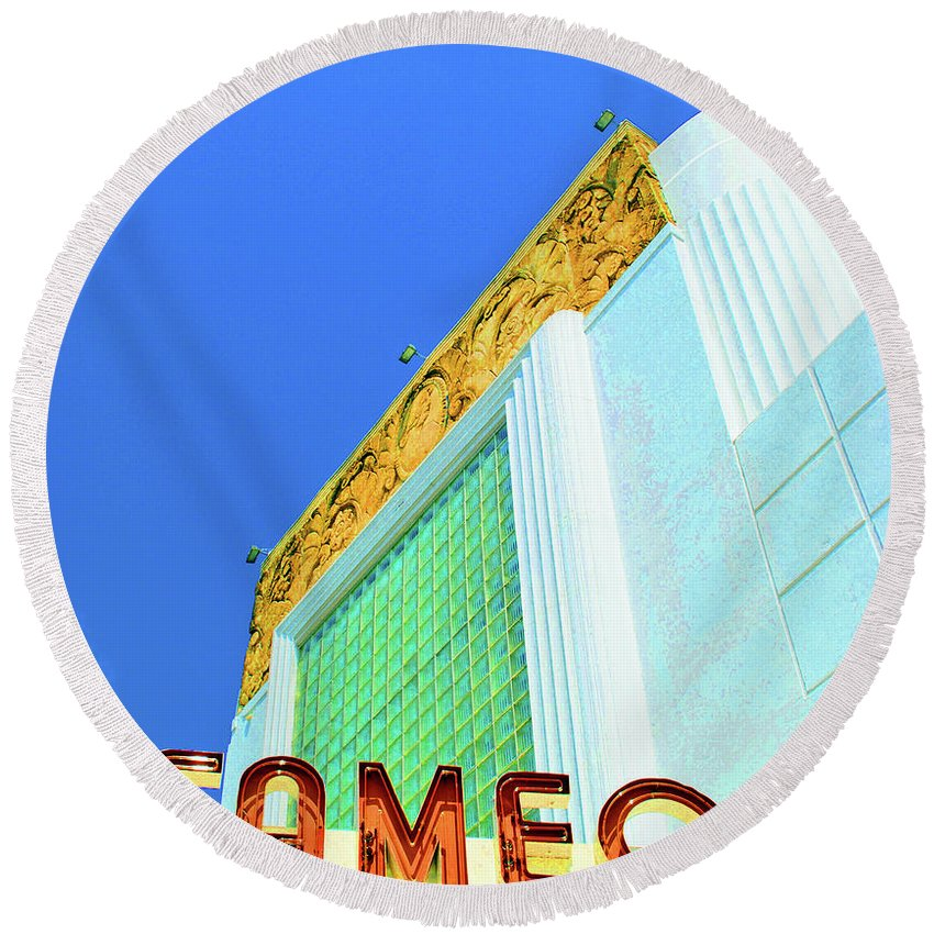 Cameo Round Beach Towel featuring the photograph Cameo Theatre by Jost Houk