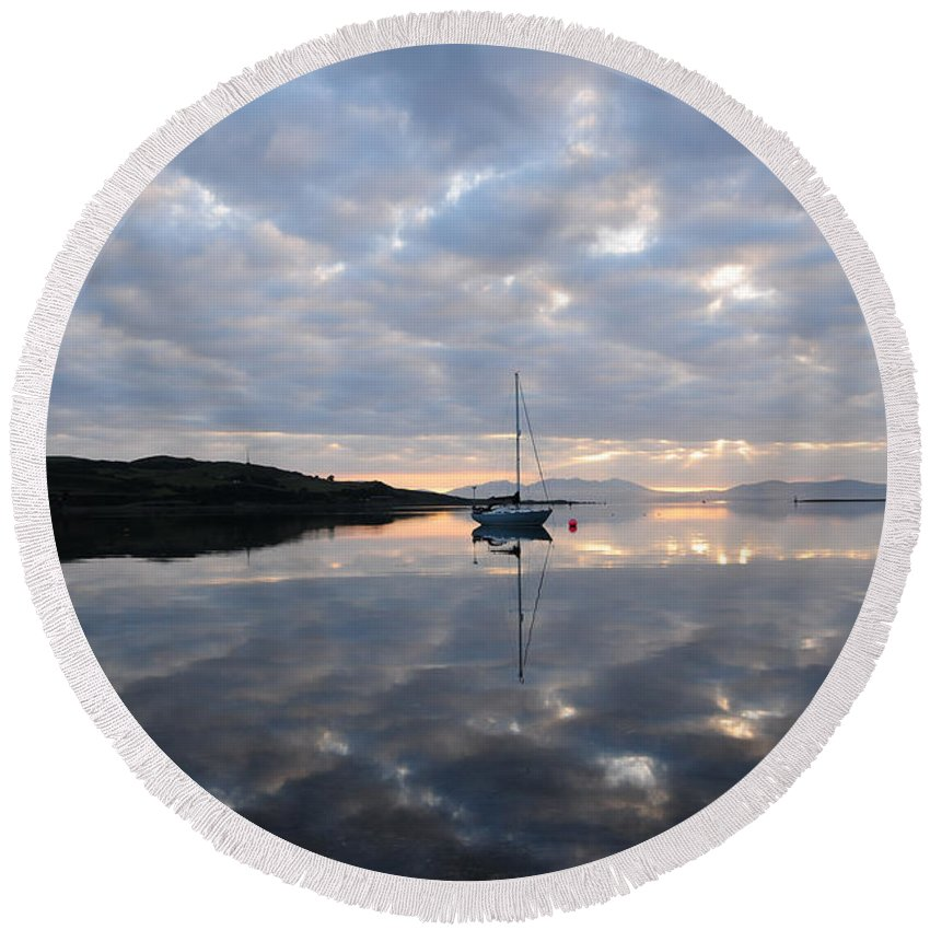 Campbeltown Round Beach Towel featuring the photograph Campbeltown Dawn by Smart Aviation