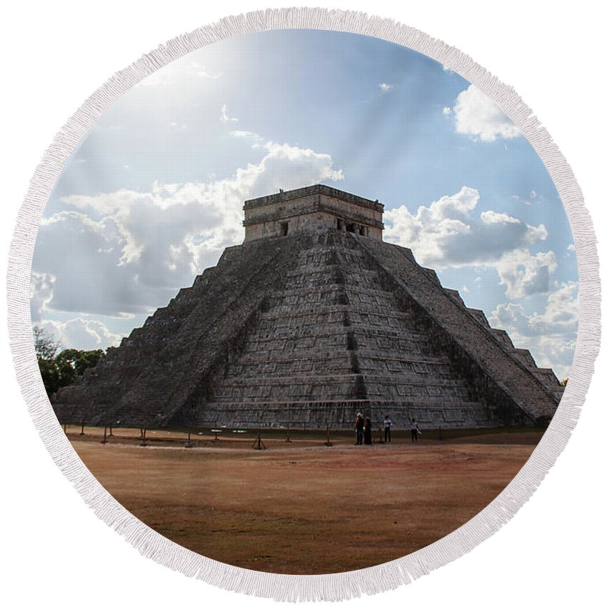 Cancun Round Beach Towel featuring the photograph Cancun Mexico - Chichen Itza - Temple Of Kukulcan-el Castillo Pyramid 1 by Ronald Reid
