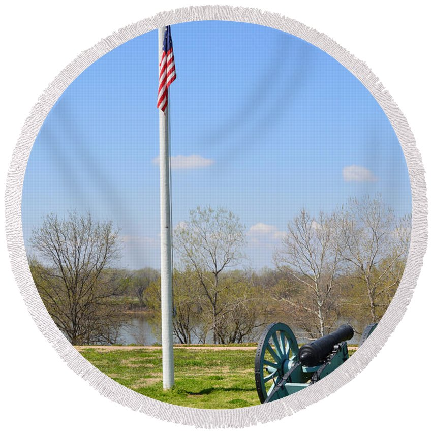 Cannon Round Beach Towel featuring the photograph Cannon And Flagpole Overlooking River by Meandering Photography