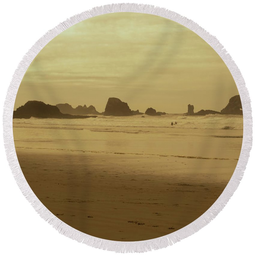 Round Beach Towel featuring the photograph Cannon Beach 3 by Marcel Van der Stroom