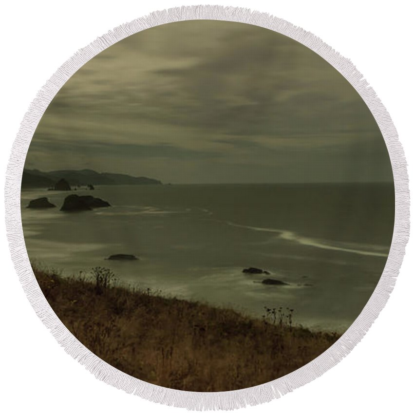 Round Beach Towel featuring the photograph Cannon Beach 5 by Marcel Van der Stroom