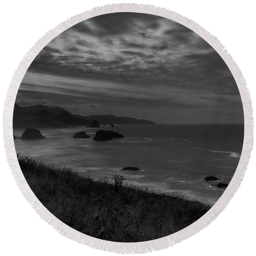 Round Beach Towel featuring the photograph Cannon Beach 6 by Marcel Van der Stroom