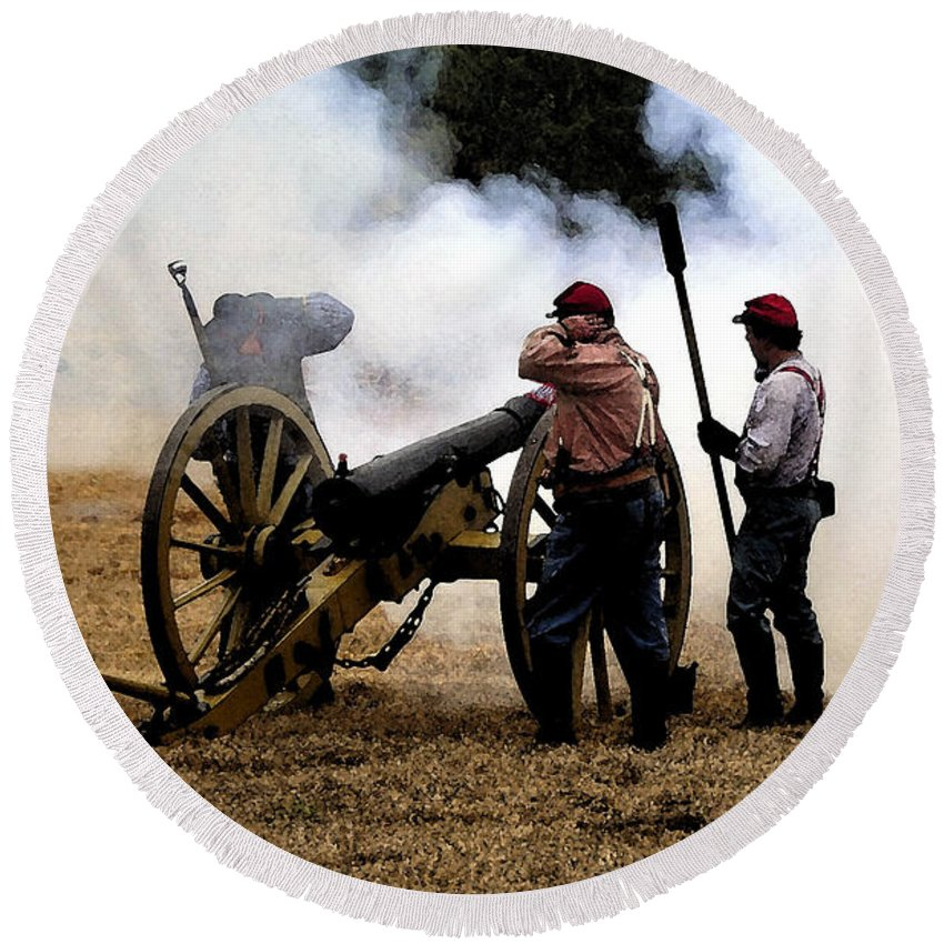 Civil War Round Beach Towel featuring the painting Cannon Fire by David Lee Thompson