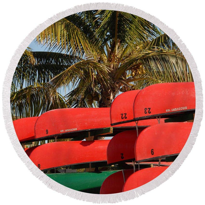 Flamingo Florida Round Beach Towel featuring the photograph Canoe's At Flamingo by David Lee Thompson