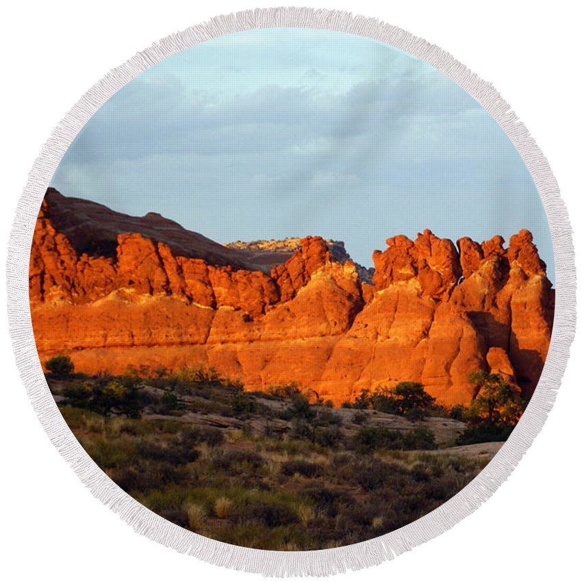 Utah Round Beach Towel featuring the photograph Canyonlands At Sunset by Marty Koch