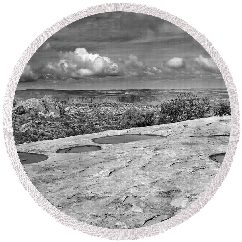 Americana Round Beach Towel featuring the photograph Canyonlands Puddles by Marilyn Hunt