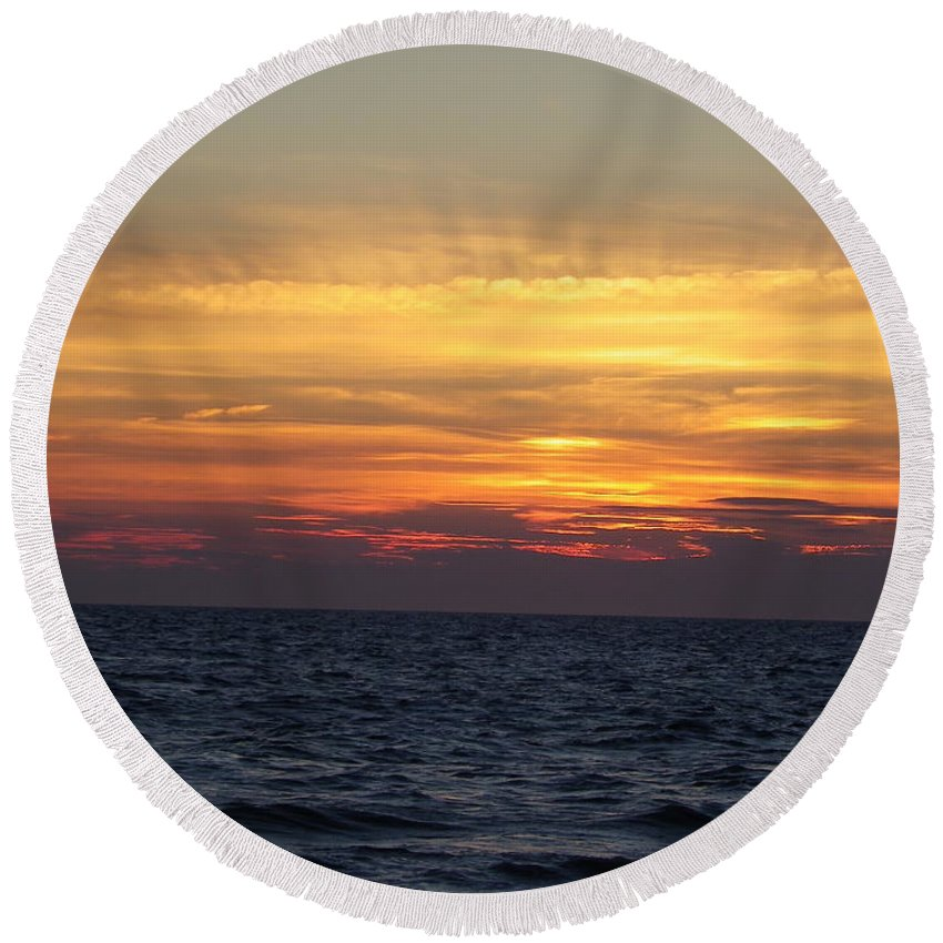 Seascape Round Beach Towel featuring the photograph Cape Cod Sunset by Charleen Treasures