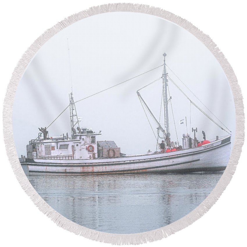 Herring Carrier Round Beach Towel featuring the photograph Capelco Passing Thru Foggy Johnson Bay by Marty Saccone