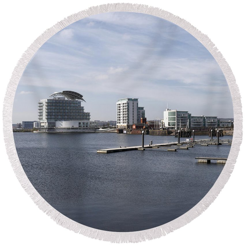 Cardiff Round Beach Towel featuring the photograph Cardiff Bay 3 by Kevin Round