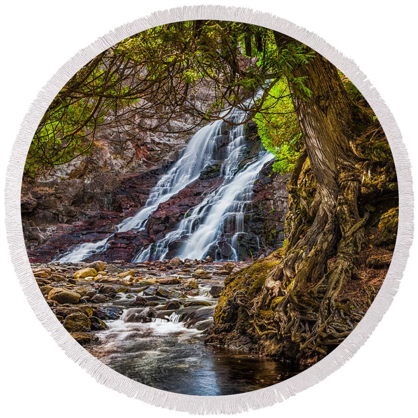 Minnesota Round Beach Towel featuring the photograph Caribou Falls In Fall by Rikk Flohr