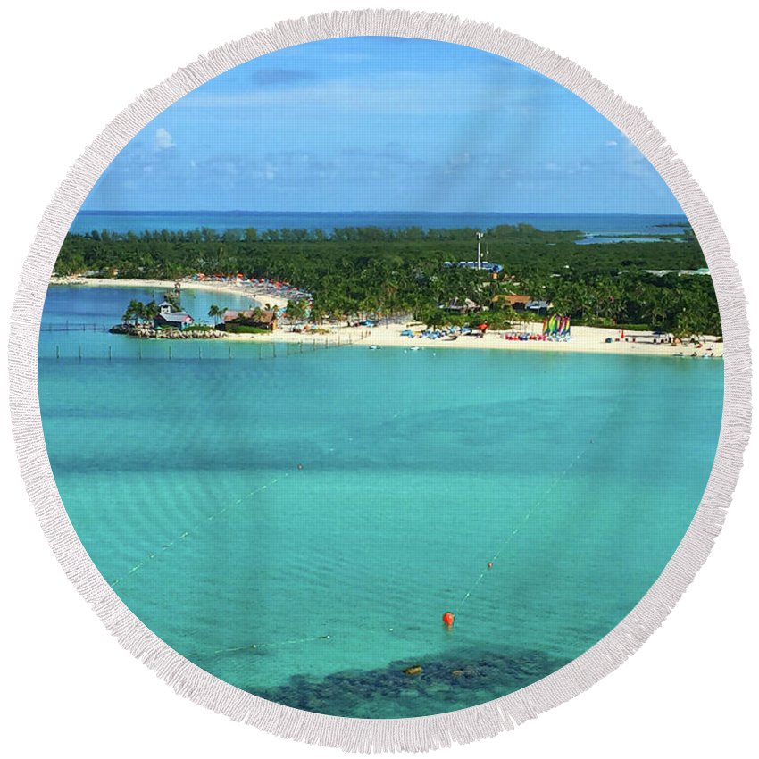 Island Round Beach Towel featuring the photograph Castaway Cay by Jost Houk