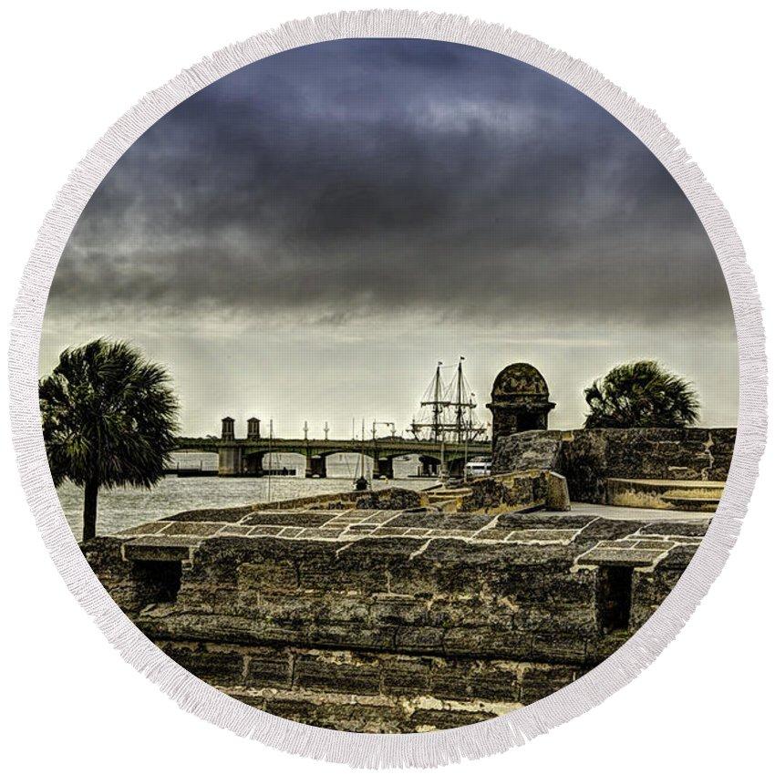 Florida Round Beach Towel featuring the photograph Castillo De San Marcos by Rogermike Wilson