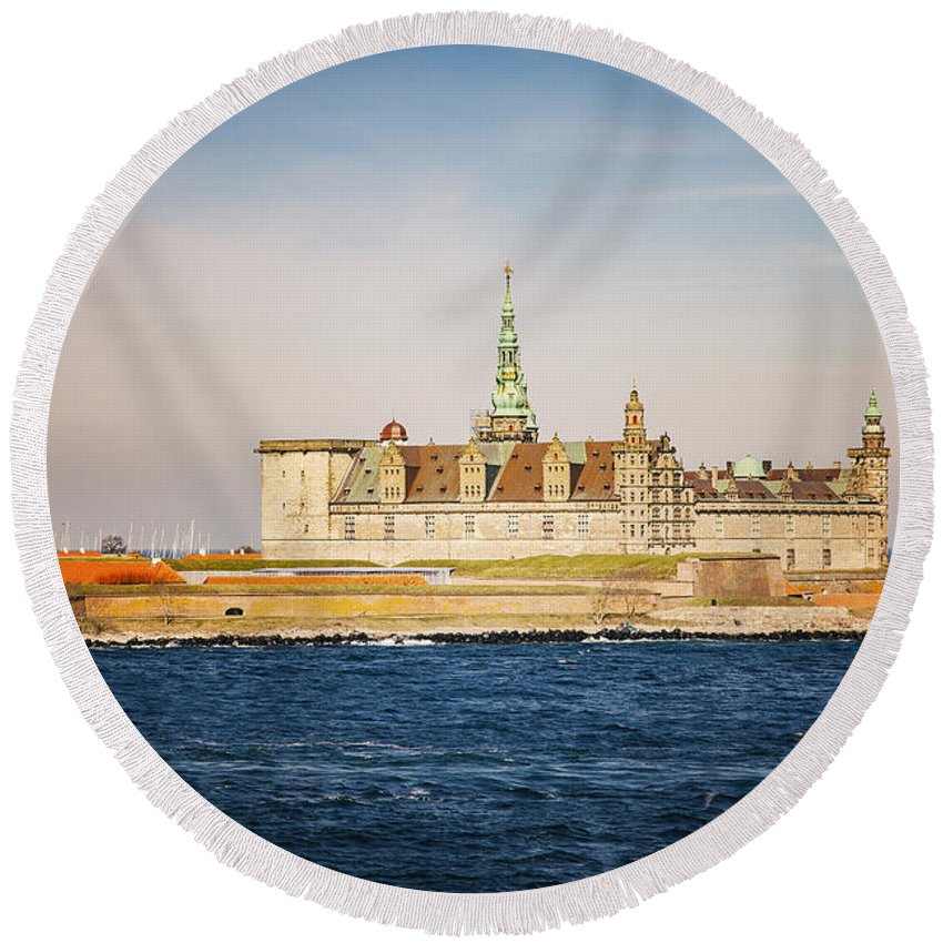 Seaside Round Beach Towel featuring the photograph Castle In Helsingor Denmark by Sophie McAulay