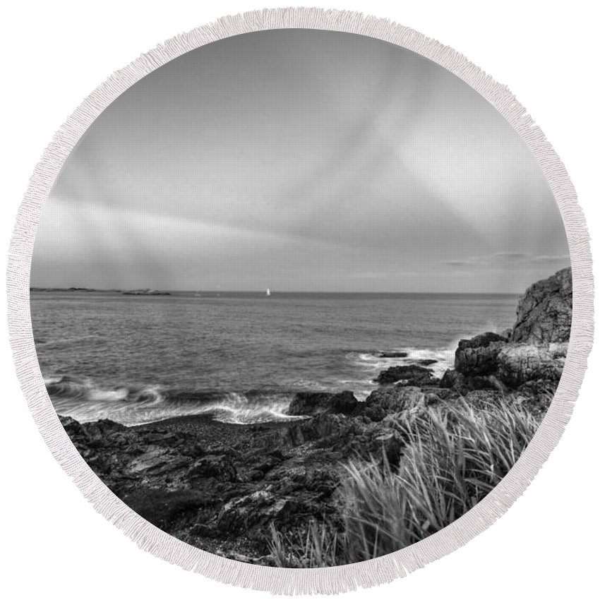 Marblehead Round Beach Towel featuring the photograph Castle Rock Beach Sunset Sunrays Marblehead Ma Black And White by Toby McGuire