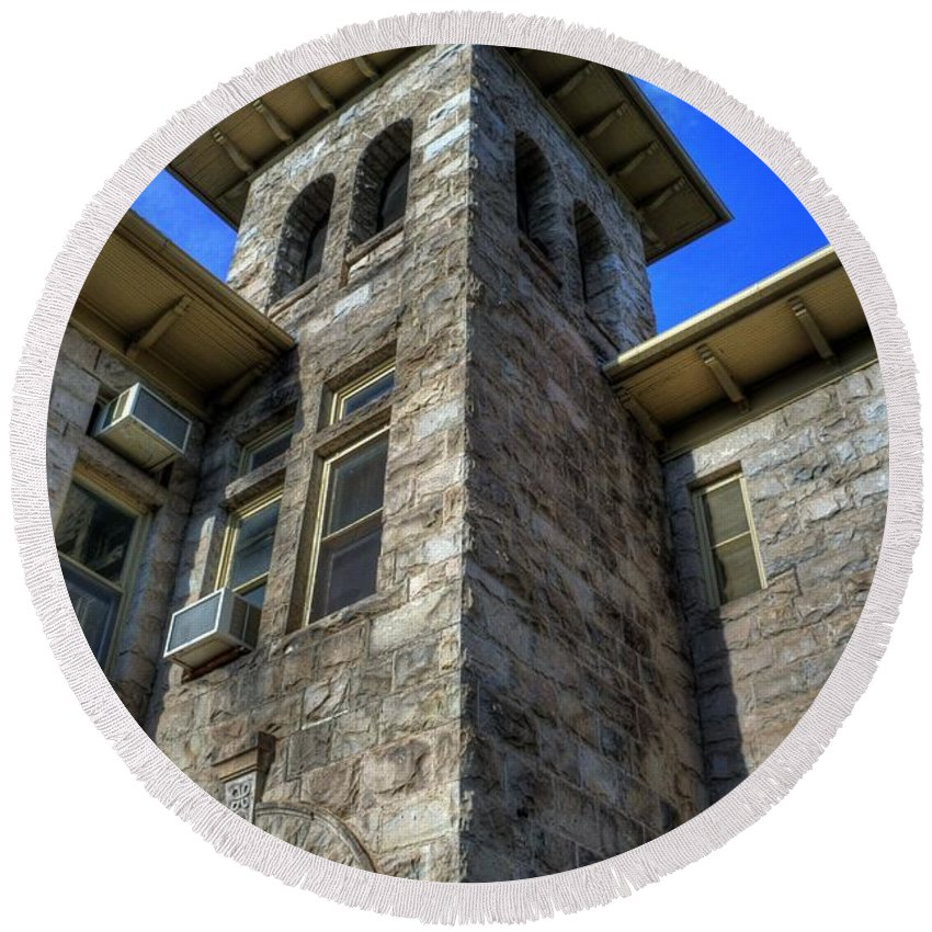 School Round Beach Towel featuring the photograph Castle Rock Elementary School by Tony Baca