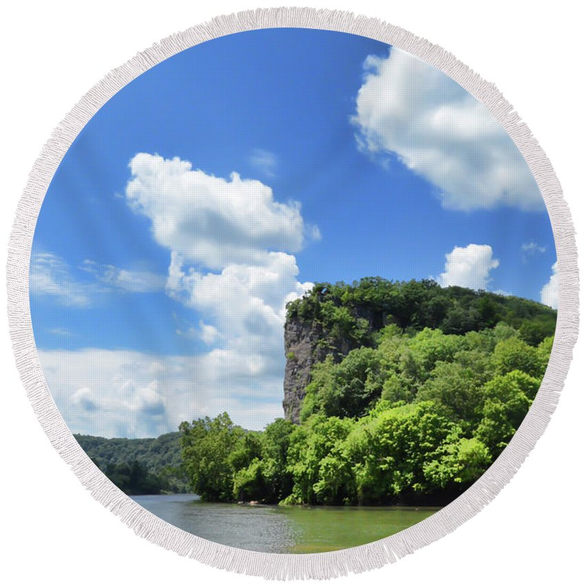 Castle Rock Round Beach Towel featuring the photograph Castle Rock - Pembroke Virginia by Kerri Farley
