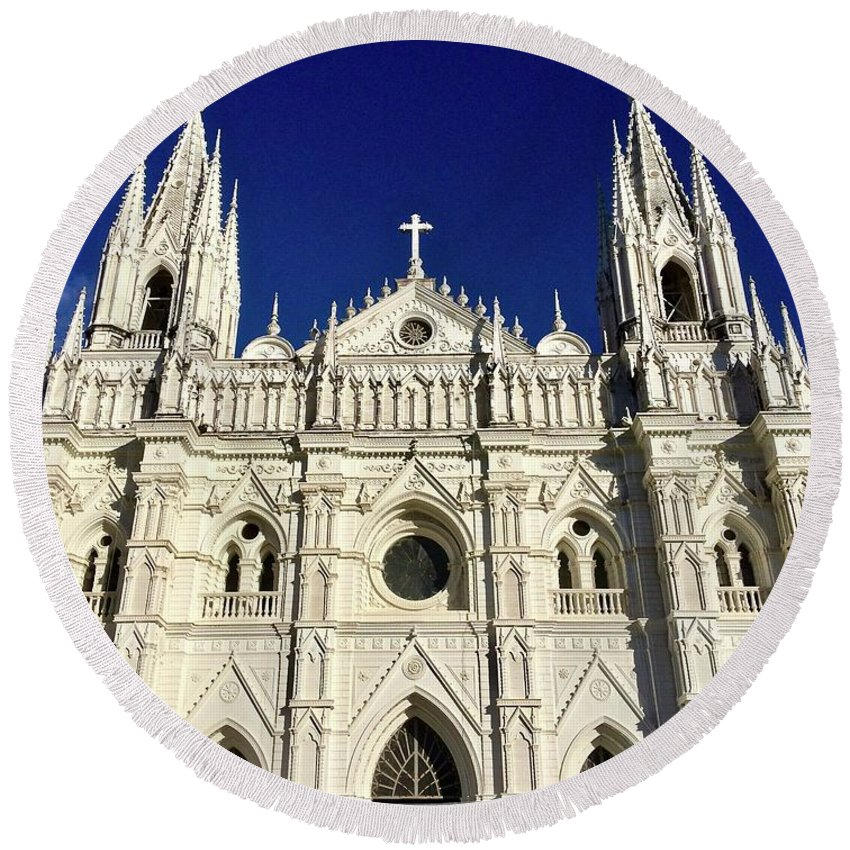 Cathedral Round Beach Towel featuring the photograph Cathedral In El Salvador by Will Fox