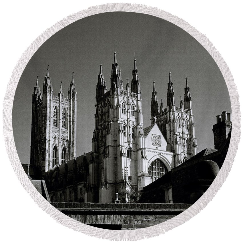 Canterbury Cathedral Round Beach Towel featuring the photograph Cathedral Of Canterbury by Shaun Higson