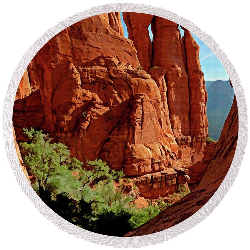 Arizona Round Beach Towel featuring the photograph Cathedral Rock 06-124 by Scott McAllister