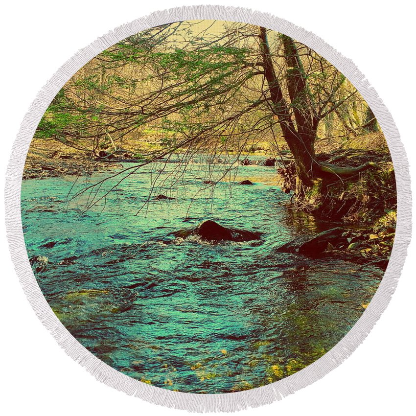 Big Hunting Creek Round Beach Towel featuring the photograph Catoctin Spring by Paul Kercher