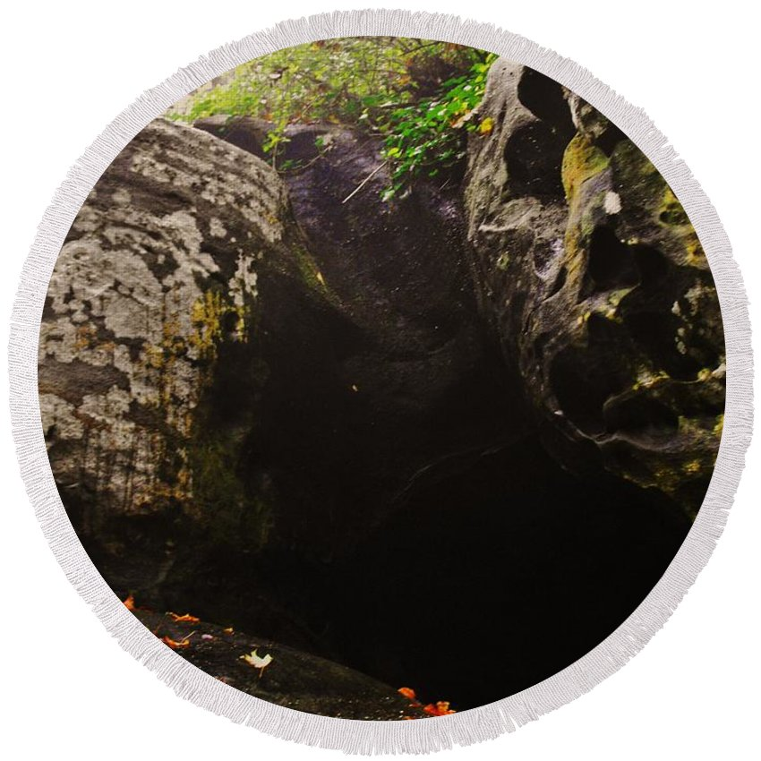 Rock City Round Beach Towel featuring the photograph Cave by Lori Mahaffey