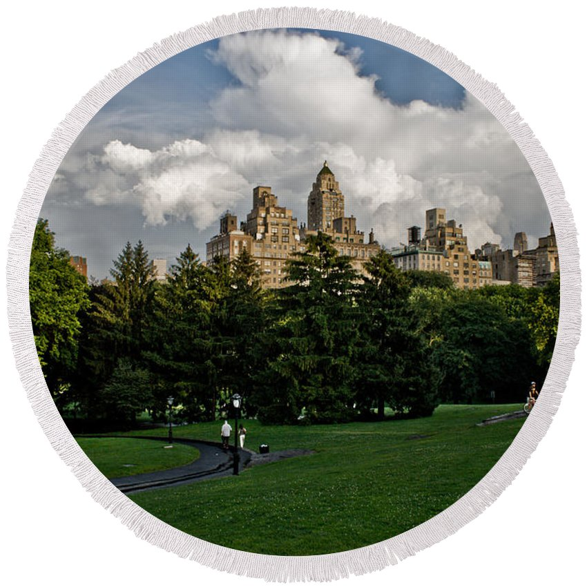 Central Park Round Beach Towel featuring the photograph Central Park Skies by Robert J Caputo