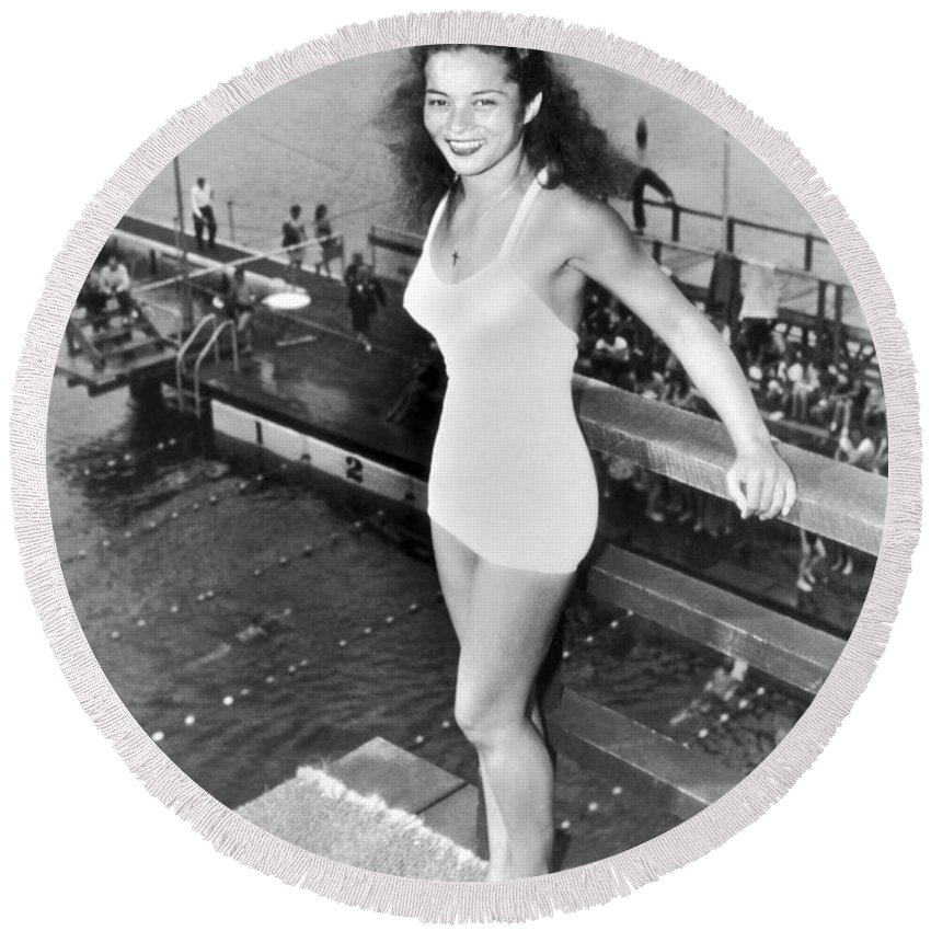 1 Person Round Beach Towel featuring the photograph Champion Diver Vicki Draves by Underwood Archives