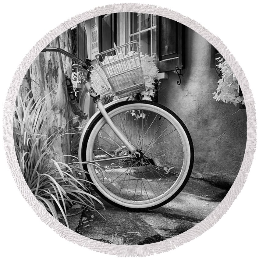 Parked Round Beach Towel featuring the photograph Charleston Street Bike by Cindy Archbell
