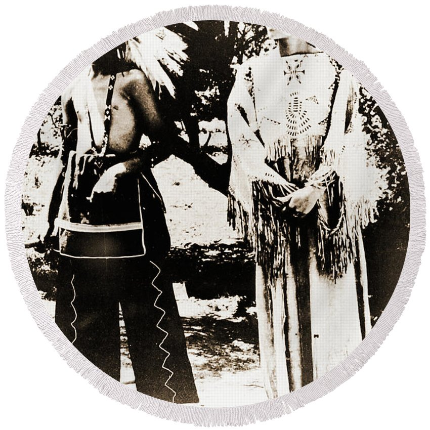 Native Round Beach Towel featuring the photograph Cherokee Indian Couple by Gary Wonning