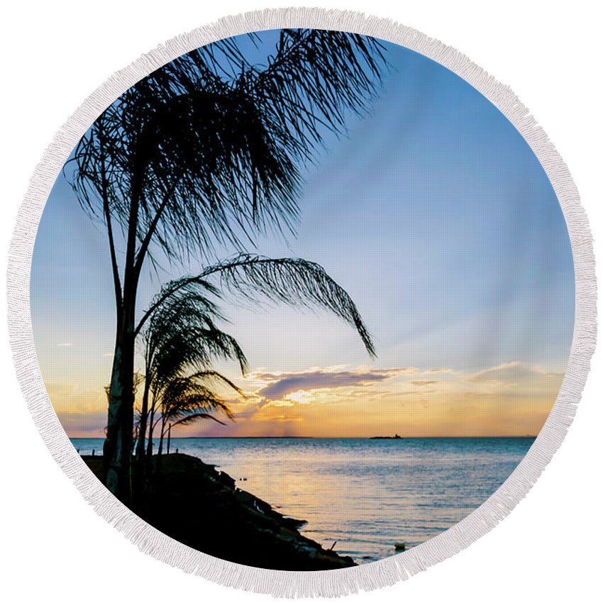 2d Round Beach Towel featuring the photograph Chesapeake Sunset - Full Color by Brian Wallace