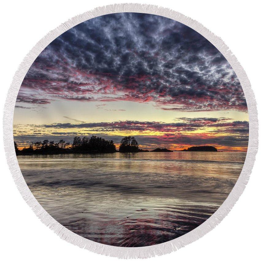 Beach Round Beach Towel featuring the photograph Chesterman Beach Sunset by Mark Kiver