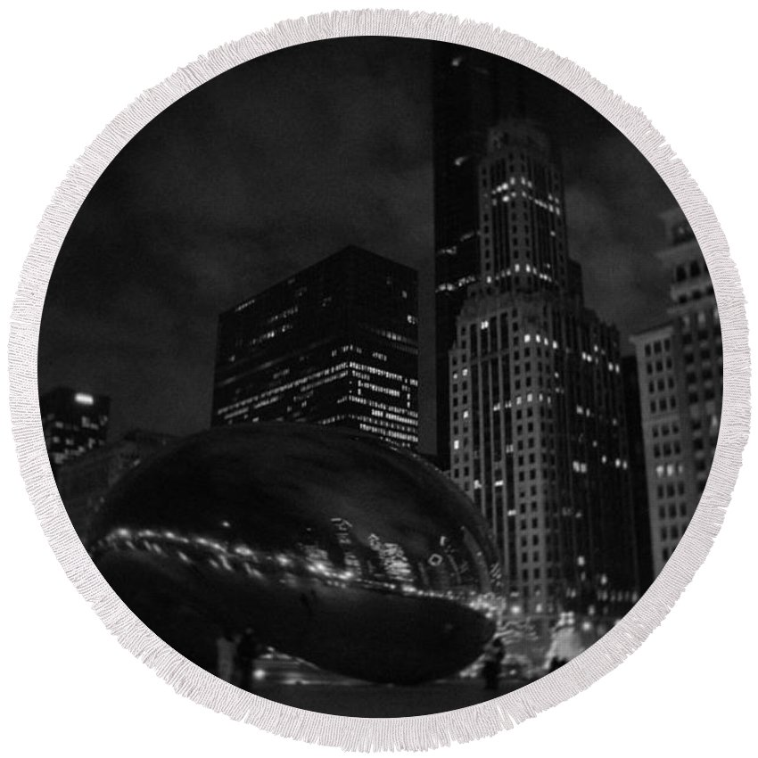 Chicago Round Beach Towel featuring the photograph Chicago Cloud Gate Night by Kyle Hanson