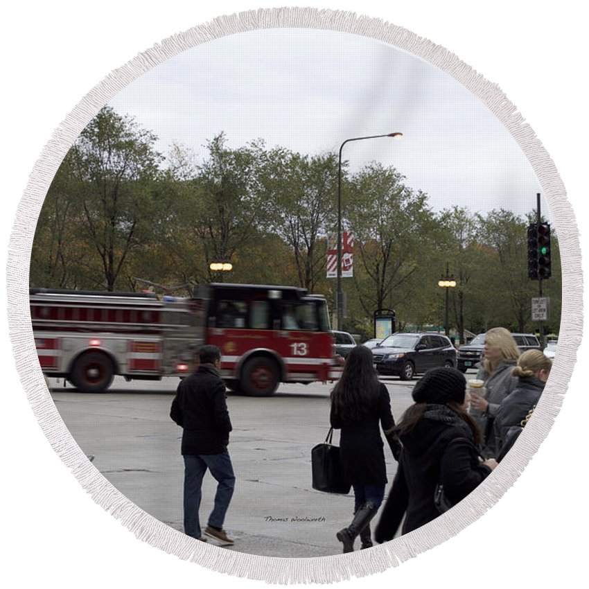 Chicago Round Beach Towel featuring the photograph Chicago Fire Department Truck 13 by Thomas Woolworth