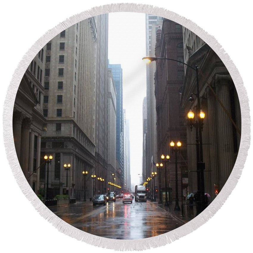 Chicago Round Beach Towel featuring the photograph Chicago In The Rain 2 by Anita Burgermeister