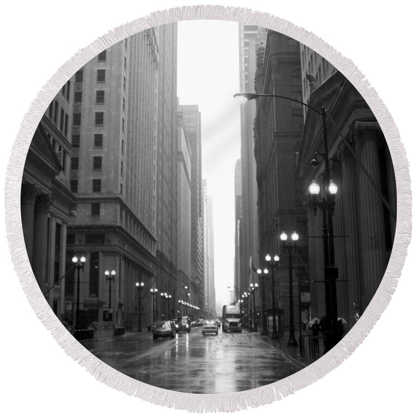 Chicago Round Beach Towel featuring the photograph Chicago In The Rain 2 B-w by Anita Burgermeister