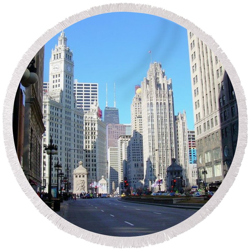 Chicago Round Beach Towel featuring the photograph Chicago Miracle Mile by Anita Burgermeister
