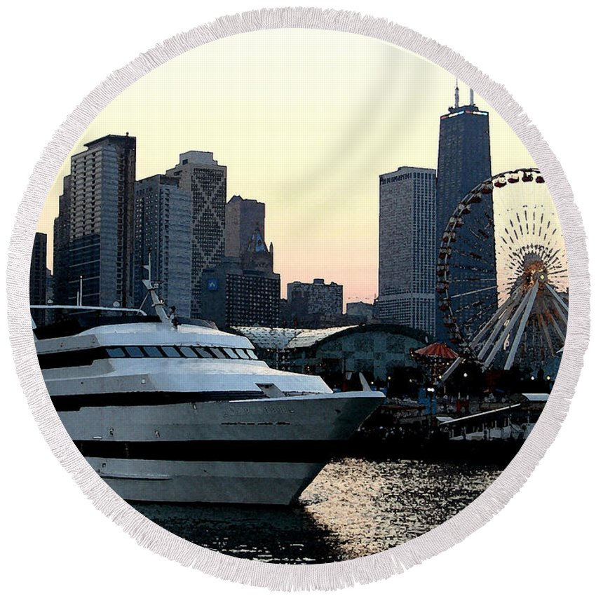 Photo Round Beach Towel featuring the photograph Chicago Navy Pier by Glory Fraulein Wolfe