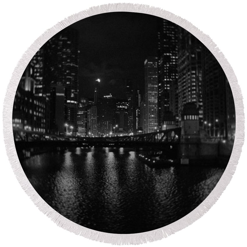 Chicago Round Beach Towel featuring the photograph Chicago River Night Skyline by Kyle Hanson