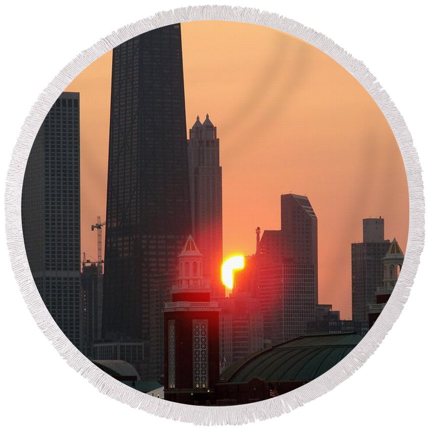 Photography Round Beach Towel featuring the photograph Chicago Sunset by Glory Fraulein Wolfe