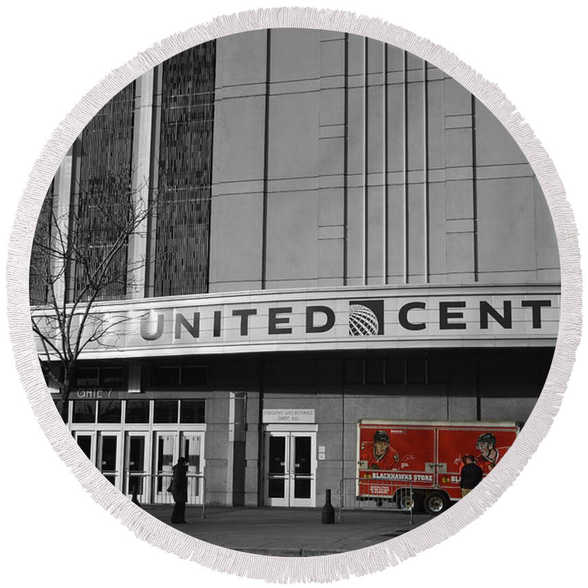 United Center Round Beach Towel featuring the photograph Chicago United Center Signage Sc by Thomas Woolworth