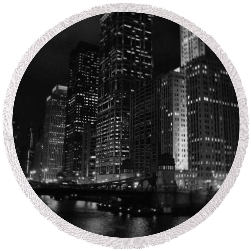 Chicago Round Beach Towel featuring the photograph Chicago Wacker Drive Night Portrait by Kyle Hanson
