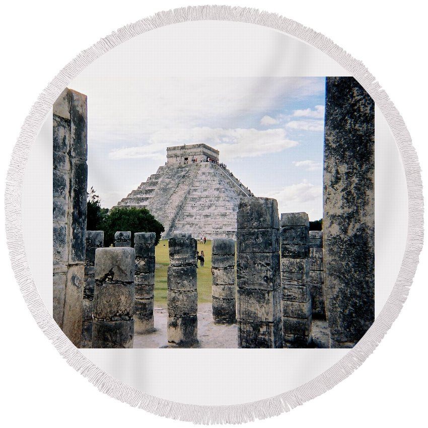 Chitchen Itza Round Beach Towel featuring the photograph Chichen Itza 3 by Anita Burgermeister