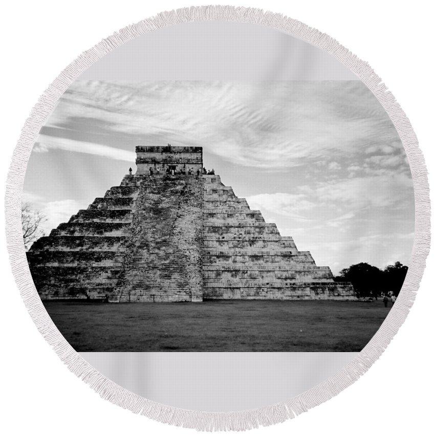 Mexico Round Beach Towel featuring the photograph Chichen Itza B-w by Anita Burgermeister