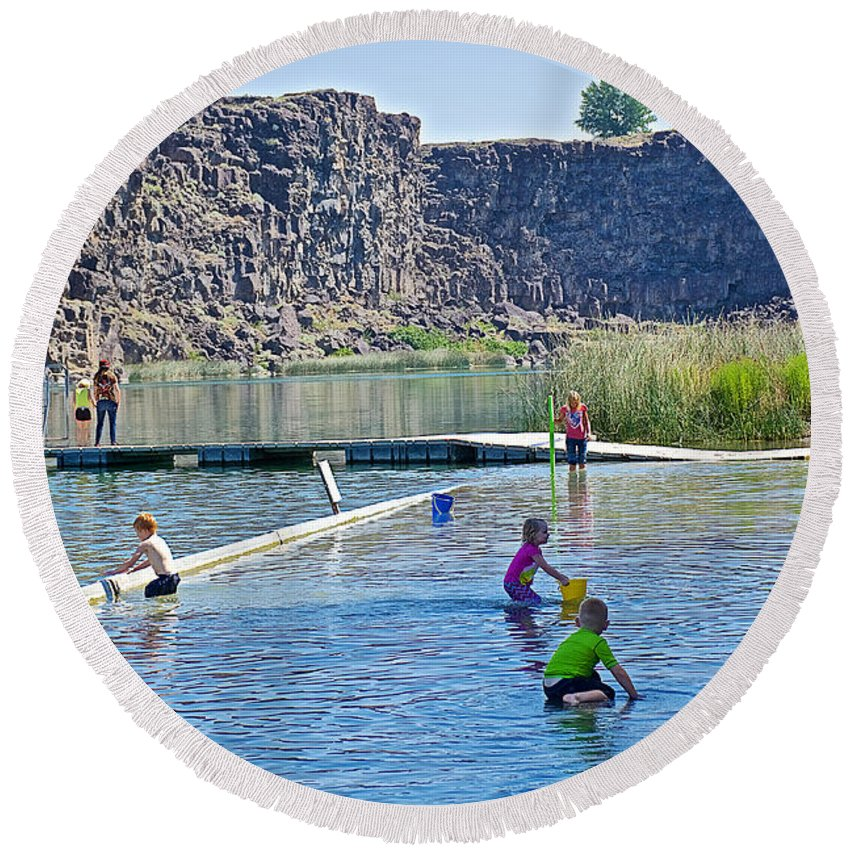Children Playing In Dierkes Lake In Snake River Near Twin Falls Round Beach Towel featuring the photograph Children Playing In Dierkes Lake In Snake River Above Shoshone Falls Near Twin Falls-idaho by Ruth Hager