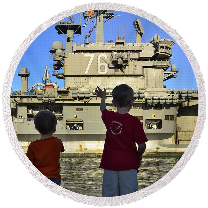 Aircraft Carrier Round Beach Towel featuring the photograph Children Wave As Uss Ronald Reagan by Stocktrek Images