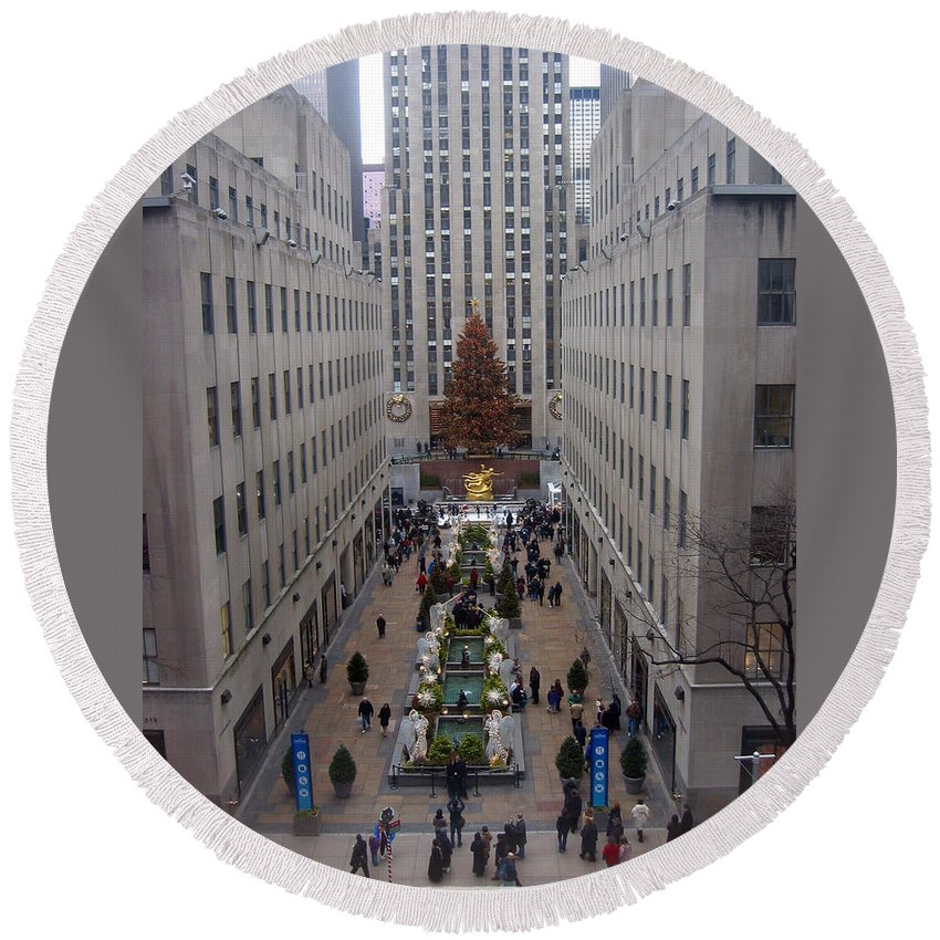 City Round Beach Towel featuring the photograph Christmas At The Rock by Judith Morris