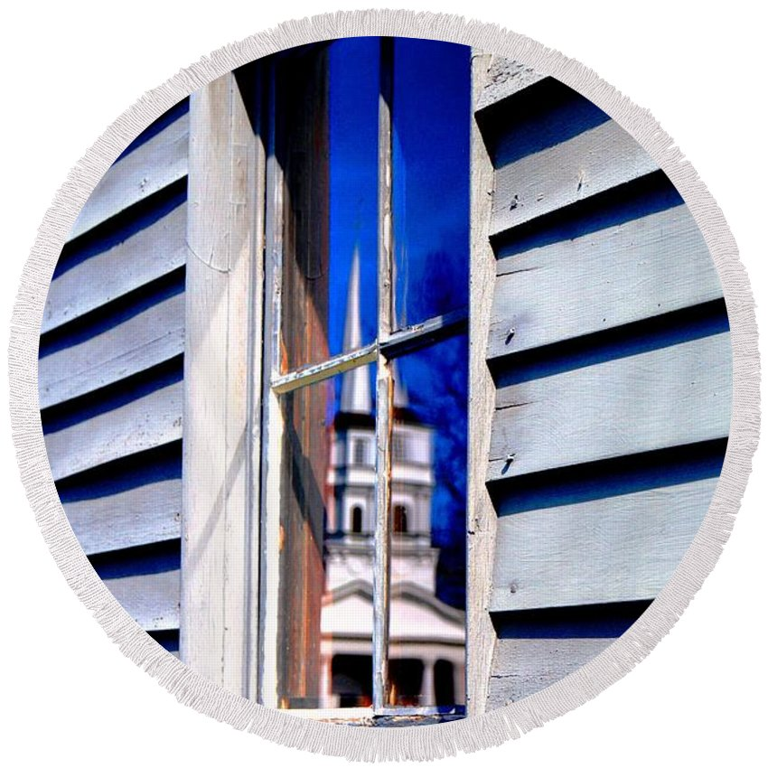 Round Beach Towel featuring the photograph Church And State by Daniel Thompson