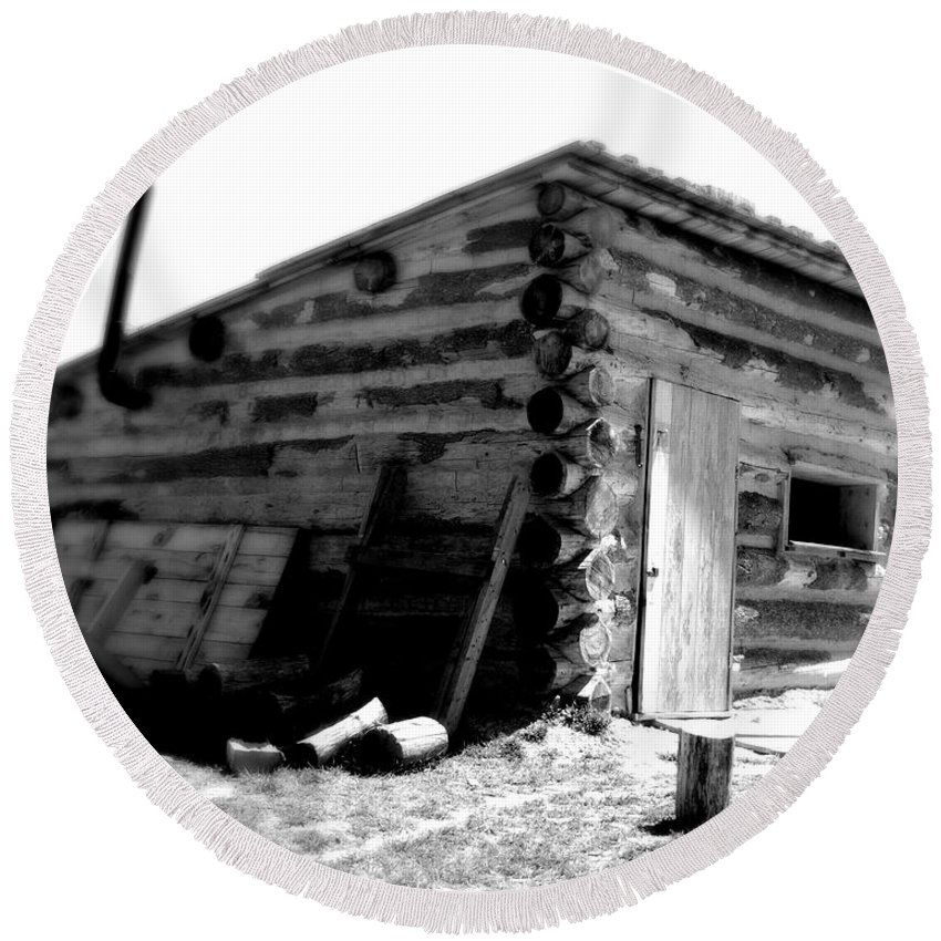 Army Round Beach Towel featuring the photograph Civil War Cabin 1 Army Heritage Education Center by Jean Macaluso